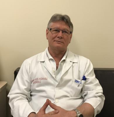sebész- plasztikai sebész főorvos 1.